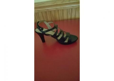 New Black Pair Size 7 Heels
